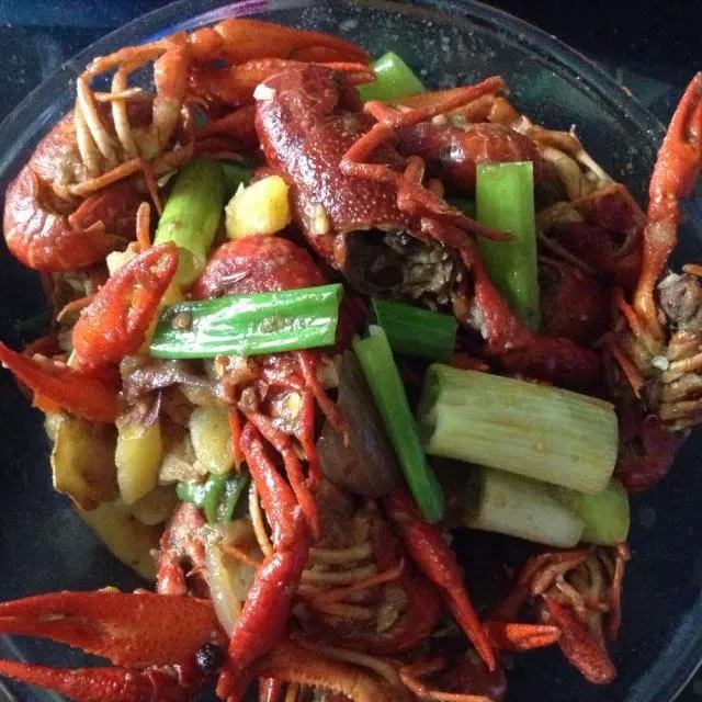 辣炒小龙虾,很入味很好吃